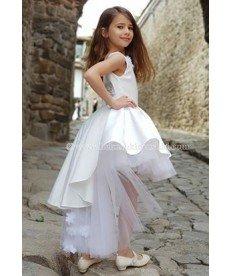 """Рокля с шлейф """"Бяло бижу"""" в бяло (размери от 116 см до 140 см)"""